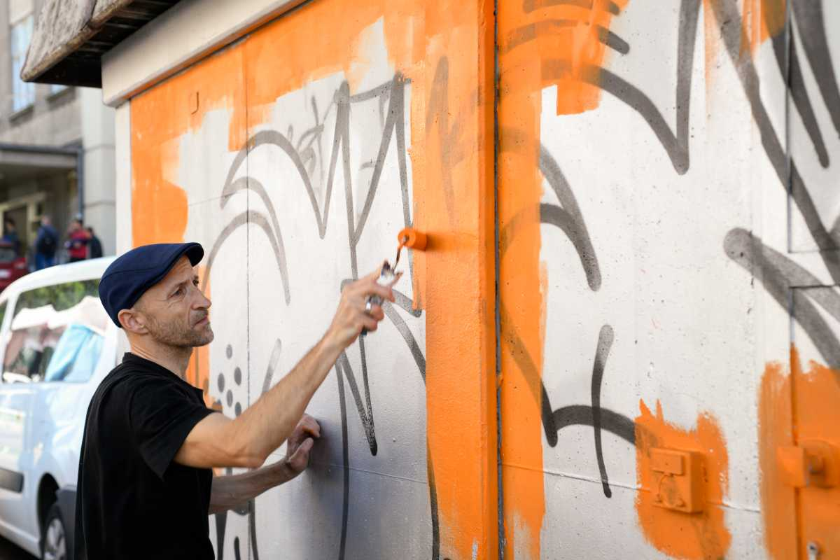 Danijel Žeželj oslikao je TS u Draškovićevoj